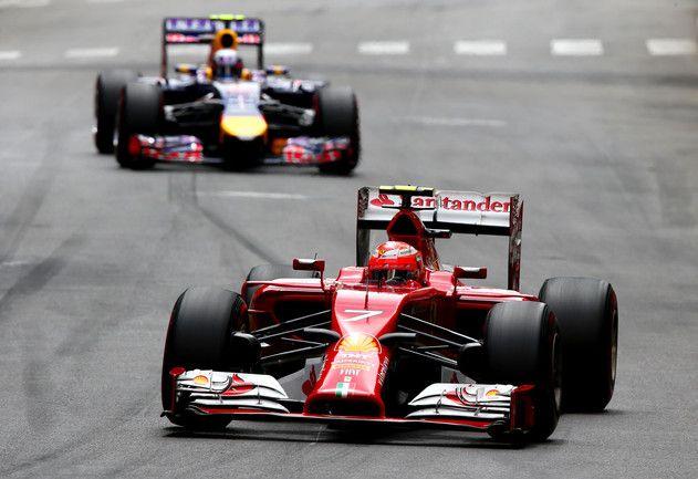 Al di là del dominio Mercedes e di Rosberg che riconquista la testa del campionato, a fare veramente notizia sono il ritiro di Vettel e la cronica sfortuna di Räikkönen… Dopo un'ottima partenza, il finlandese, che seguiva da vicino le Mercedes, viene toccato in regime di saeftycar e perde posizioni, quindi recupera, ma perde di nuovo dopo un contatto con Magnussen. Alla fine il terzo e Ricciardo, segue Alonso… Primi punti iridati per Bianchi e la Marussia!