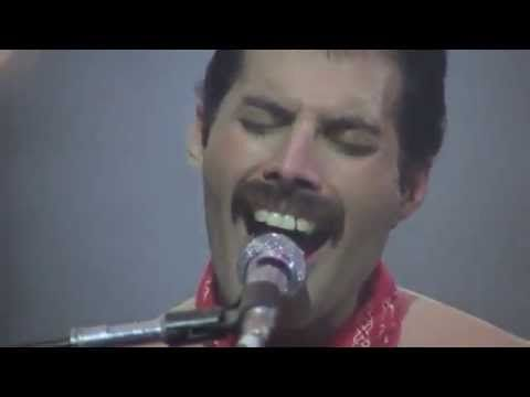 "Freddie Mercury ""We Are The Champions"" (WHAT A VOICE!)"