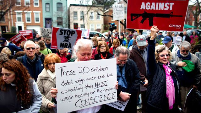 Pro-gun control protests as White House promises swift measures ...