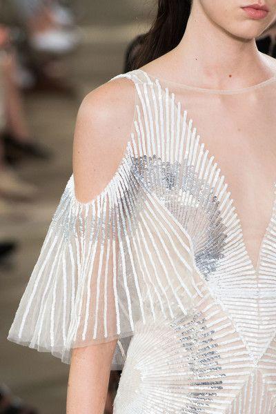 Monique Lhuillier at New York Fashion Week Spring 2017 Details