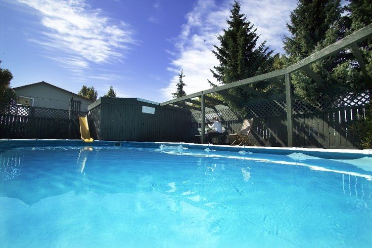 All Seasons Kiwi Holiday Park is situated east of Christchurch city centre, this 18 year old park has stand-alone units for a relaxing, tranquil stay with swimming pool, playground, covered BBQ, TV room, laundry and landscaped gardens. Close to Summer Beach, Ferrymead Historic Park & AMI Stadium rugby ground.