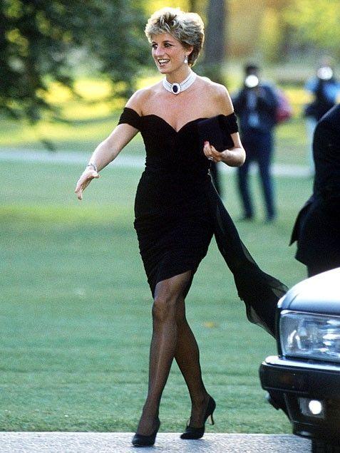 Znalezione obrazy dla zapytania princess diana Vanity Fair dress