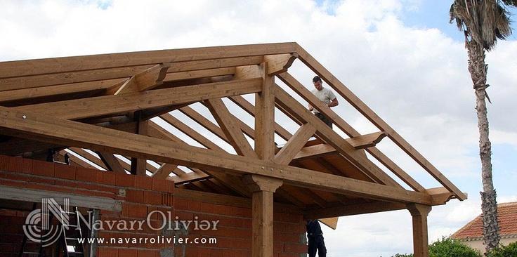 Estructura de madera a 2 aguas para cubierta de chalet - Estructura madera laminada ...