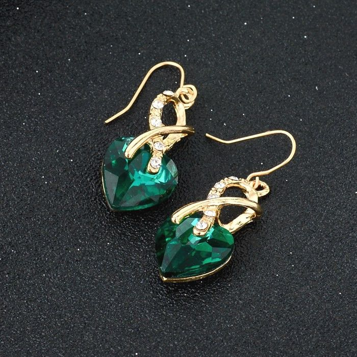 Green Crystal Heart Necklace And Earrings Jewellery Set for Women infinity earrings, infinity jewelry, david yurman infinity earrings, sterling silver infinity earrings, snowflake earrings, silver hoop earrings, morganite earrings, gold hoop earrings, tanzanite earrings,  diamond earrings, knot earrings, silver earrings, infinity stud earrings, gold infinity earrings, infinity shape earrings, infinity symbol earrings, luxury infinity earrings, 925 infinity earrings