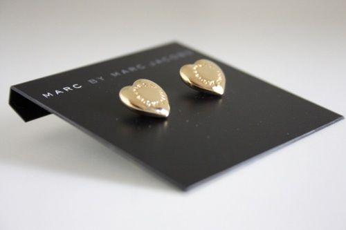 marc jacobs: Heart Shap Earrings, Jewellery Accessories, Earrings Anything, Jacobs Earrings, Jacobs Heart, Heart Earrings, Marc Jacobs, Fashion Accessories, Gold Heart