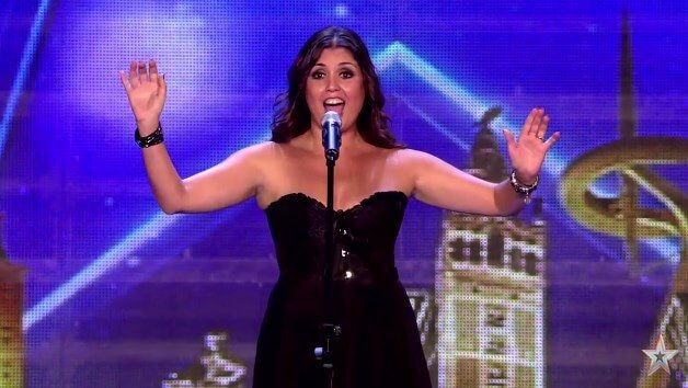 Assista à performance de Cristina Ramos, cantora que impressionou o mundo com cover de AC/DC em programa de televisão de talentos.