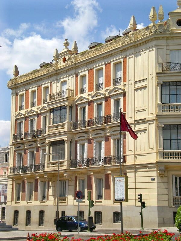 288 best images about madrid on pinterest ea norte and - Calle princesa barcelona ...