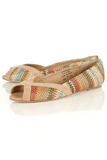 These TopShop ballerinas are halfway between Missoni and Ethnic. Perfect for these hot days in the City. €30