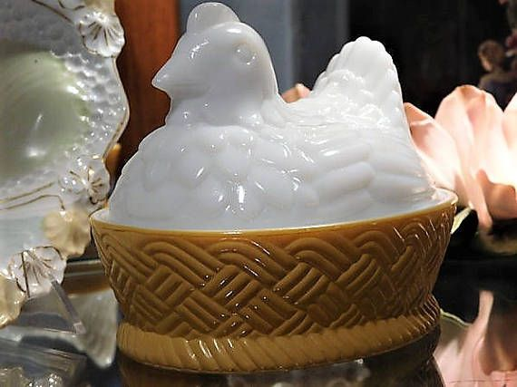 ITEM #RA-76  Vintage circa late 1960s early 1970s AVON white milk glass hen on nest dish. Dish measures 5 3/4 long 4 1/2 wide and is 4 3/4 tall with the lid.  Condition: Very good vintage condition with typical wear due to age and handling. No chips, cracks etc. This looks like it was rarely used, if ever.  **** I have purchased an estate full of glassware, and have quite a bit of this pattern. If you are looking for something in particular just ask, I may have it and have not ...