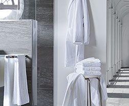 Das Besondere-KLvB-home!!! Hochwertige weiche Handtücher aus der edelsten Qualität, mit der besonderen königlichen Bestickung des Königs Hauses.