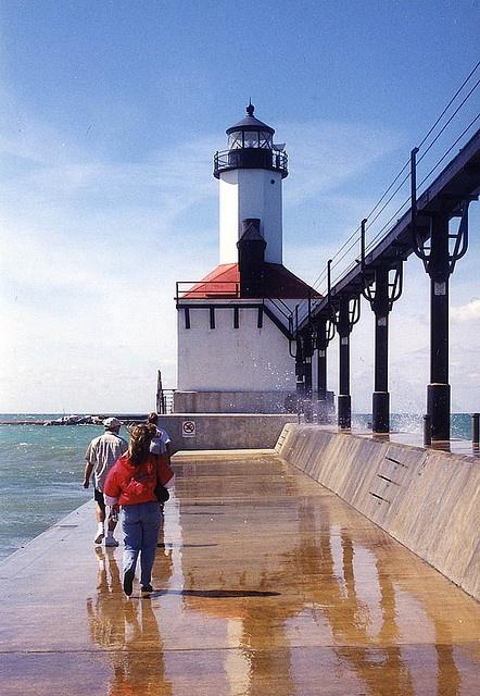 Indiana Lighthouse, Indiana Dunes State Park, Michigan City, Indiana. Photo: mrgraphic2 via Flickr
