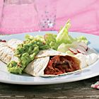 Mexicaanse wraps met biefstuk in pittige saus  Tortilla, wrap, Mexicaans, vlees, pittig, chorizo, bietstuk, paprika