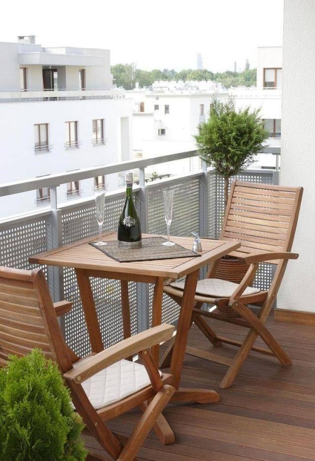 Amenagement Balcon Table Chaises Bois Parapet