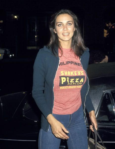 Nostalgia Manila - 60's, 70's, 80's cartoons, tv shows, videos, retro pop culture: Hot Vintage Fashion: Wonder Woman Linda Carter Wears Shakey's Philippines T-Shirt