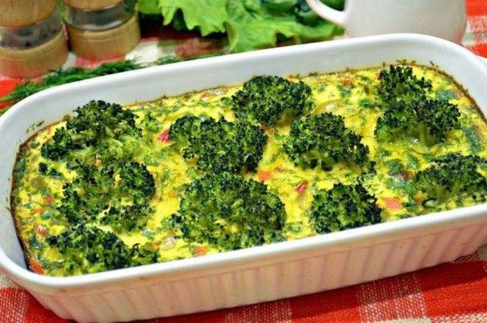 Zapečená brokolice se zeleninou, s vajíčkem a mlékem. Vynikající zeleninová…