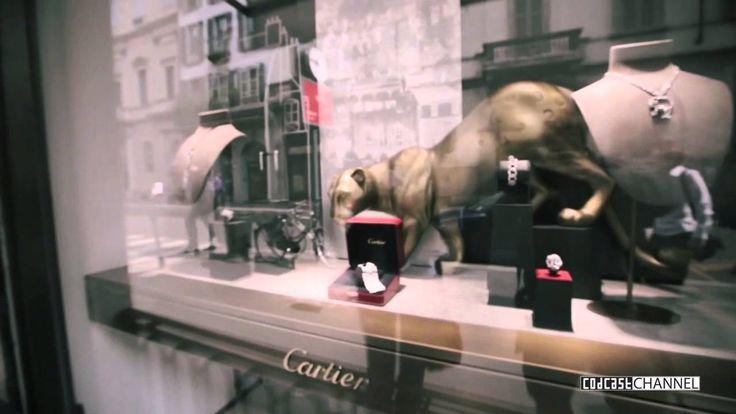 Milano Street Browser, 25 сентября 2013: тенденции сезона в витринах самых модных бутиков. Неделя высокой моды подошла к концу, Милан был и остаётся одним из самых стильных городов мира. Начало осенне-зимнего сезона на улице Монтенаполеоне.