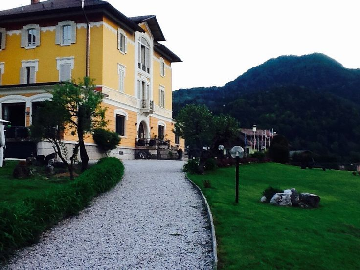 unica dimora storica sulle Dolomiti per matrimoni feste a tema o luxury relax
