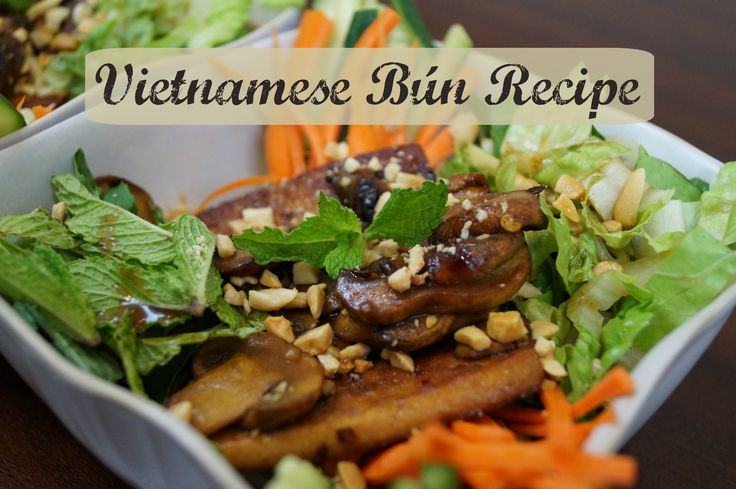 EASY dinner recipe. Very fresh and healthy. Vietnamese Bún Recipe. Asian dinner that anyone can make. Great dinner idea or any meal idea. http://blendhappy.com/recipe/vietnamese-bun-recipe/