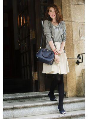 モデル:骨格ウェーブ アラサー女子必見♡毎日のコーデの参考に「知的カジュアル」な秋服コーデ40選 - NAVER まとめ