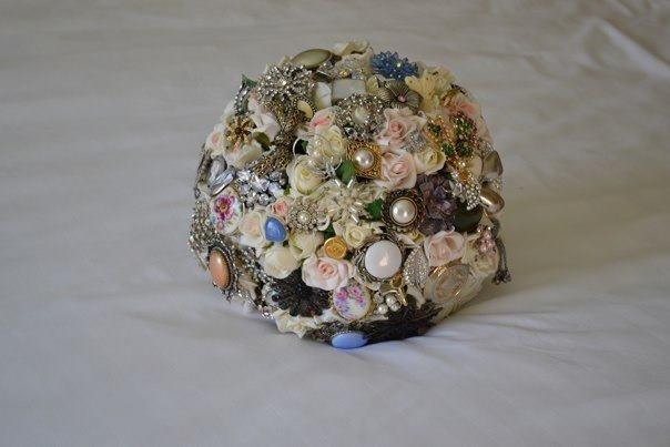My wedding brooch bouquet
