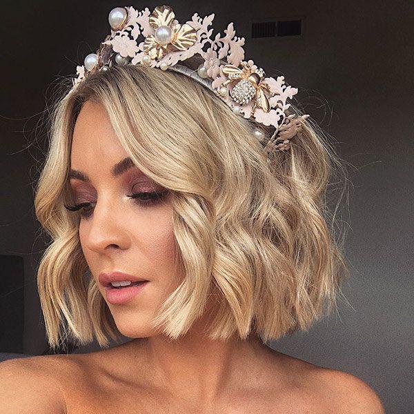 40 Best Wedding Hairstyles For Short Hair Bridal Hairstyles In 2020 Short Hair Styles Thick Hair Styles Hair Styles