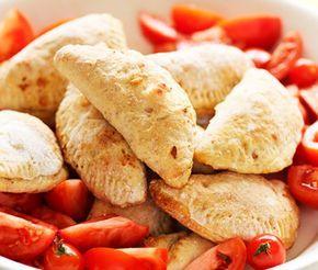 Piroger fyllda med köttfärs eller skinka