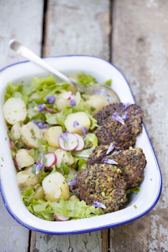 Zucchinibiffar + fransk potatissallad med pepparrotsblast & myntatzatziki