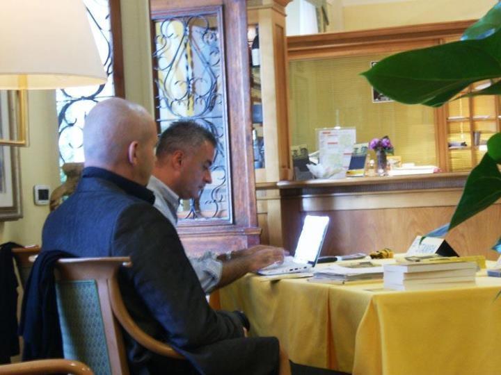 @Grado Giallo SCRITTORI BOMBAROLI   @Alberto Rochira intervista lo scrittore #FrancescoAltan