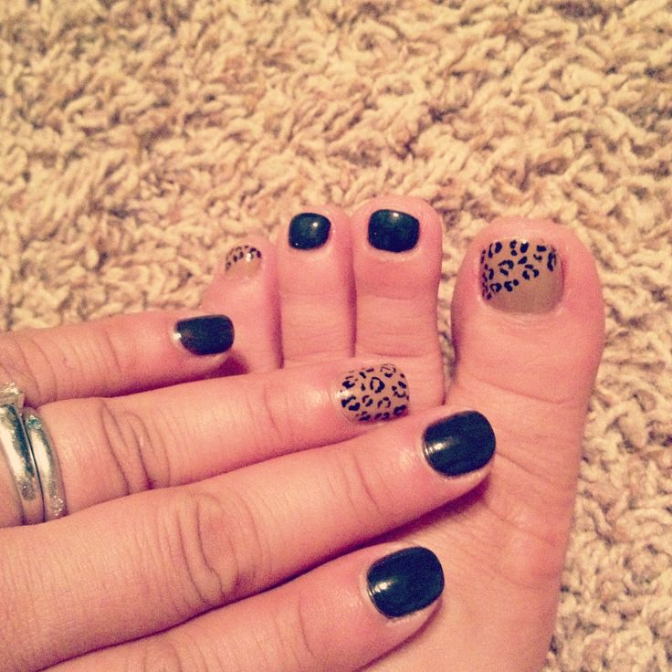 Leopard nails and toes nail art