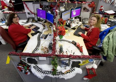 lovely office cubicle christmas decorating ideas | Decorated Cubicles for Christmas season. #cubicledecor ...