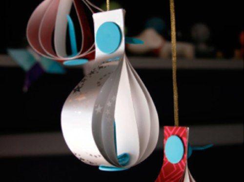 Готовимся к Новому году, делаем елочные украшения своими руками: гирлянды-цепочки, снежинки и подвесные бумажные фонарики