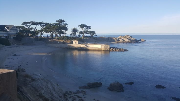 Tue 11/7/17: Had an appt in Salinas actually near Laguna Seca. Then in Monterey. For Wed all appts were Salinas, and Tue weather/day was so perfect we decided to get a room at this cute Inn, and left for Salinas Wed. Appts on Tue done by 1:30 so it was on. We had the Ruby Princess docked, tons of seals/sea lions, even a Blue Angel buzzed over us. Lovers Point Beach was so beautiful at dusk and the Ruby Princess glowed at sunset. Dean and I still can't believe the day we had!