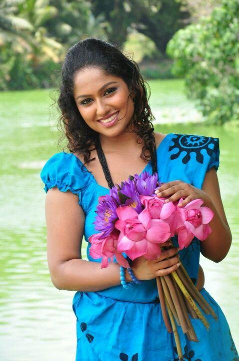 Srilankan girls