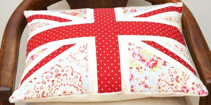 Make fab Union Jack cushion pads with polka dots and floral fabrics. Find lots more easy craft ideas over on prima.co.uk