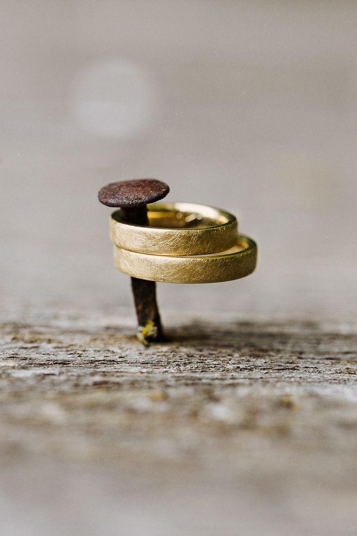 Goldene Eheringe am Nagel // Golden Weddings Rings Nail - CHARMEWEDD