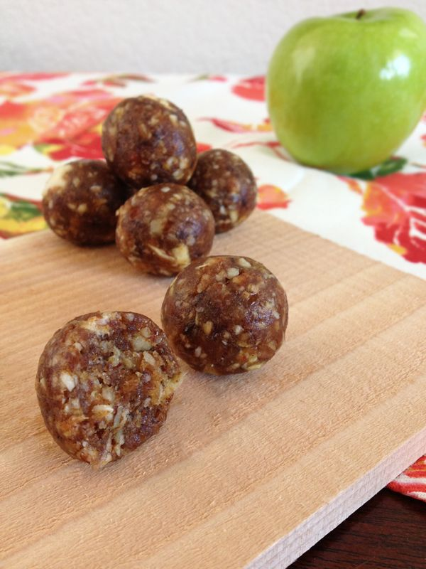 Apple Pie Bites - Our Paleo Life •1 cup Pecans •½ cup Raw Almonds •1-1/2 cups Medjool Dates, pitted (about 10-12 dates) •¾ cup Dried Apple Slices (no sugar added) •½ tsp Cinnamon •Pinch of Sea Salt http://papasteves.com/