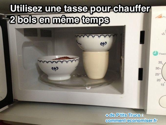 Réchauffer 2 bols de chocolat dans le micro-ondes en même temps