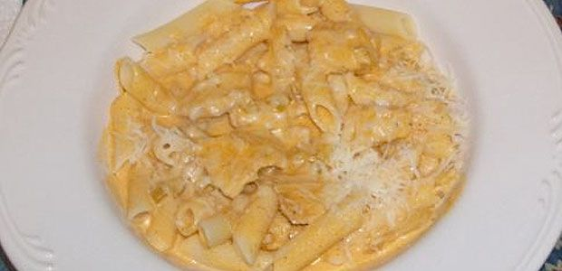 Buffalo chicken pasta....gluten free pasta of course!