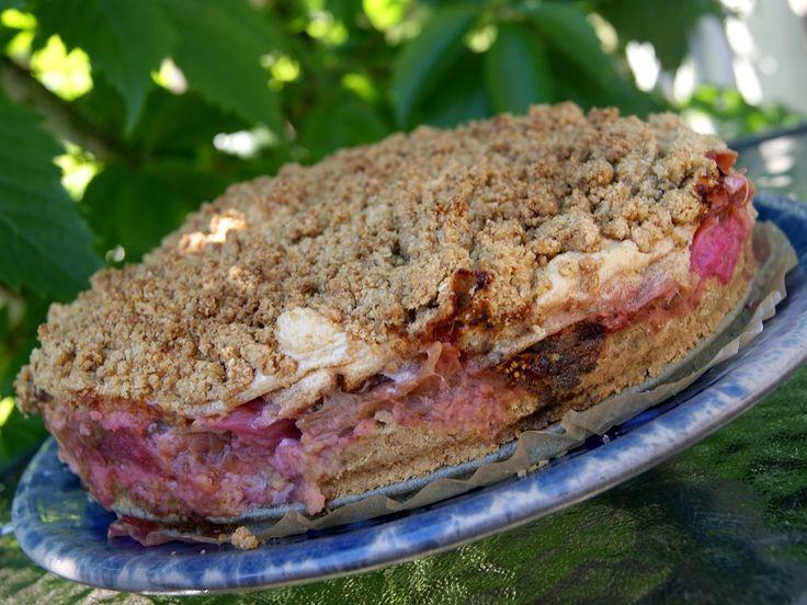 Ciasto owsiano-gryczane z rabarbarem i kruszonką