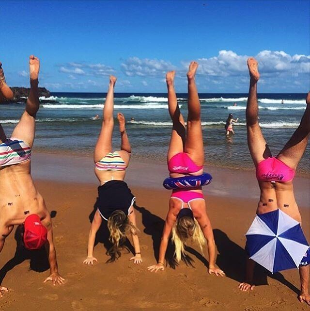 Handstands for Saturyay - hope you've all had a cracking week  Photo | @gabibrowning #Smugglettes #SaturYay #BudgySmuggler #BikiniLife
