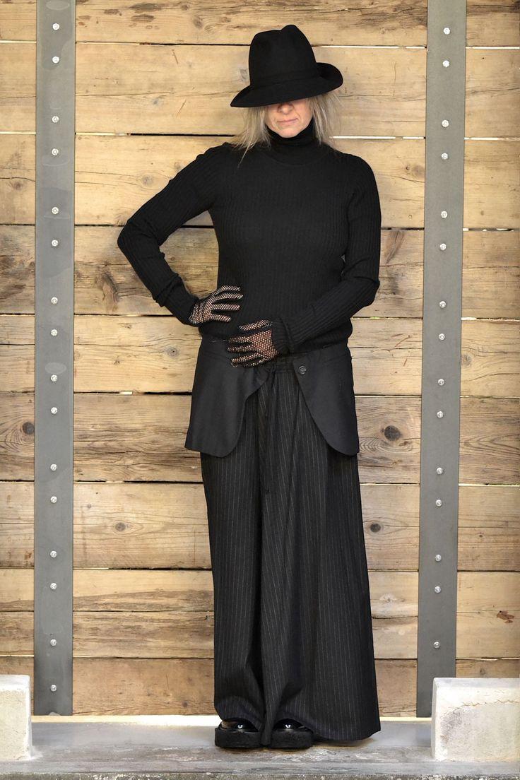 Look 56#LENASTORE Gonna pantalone Yohji Yamamoto Maglia con pannelli Erika Cavallini