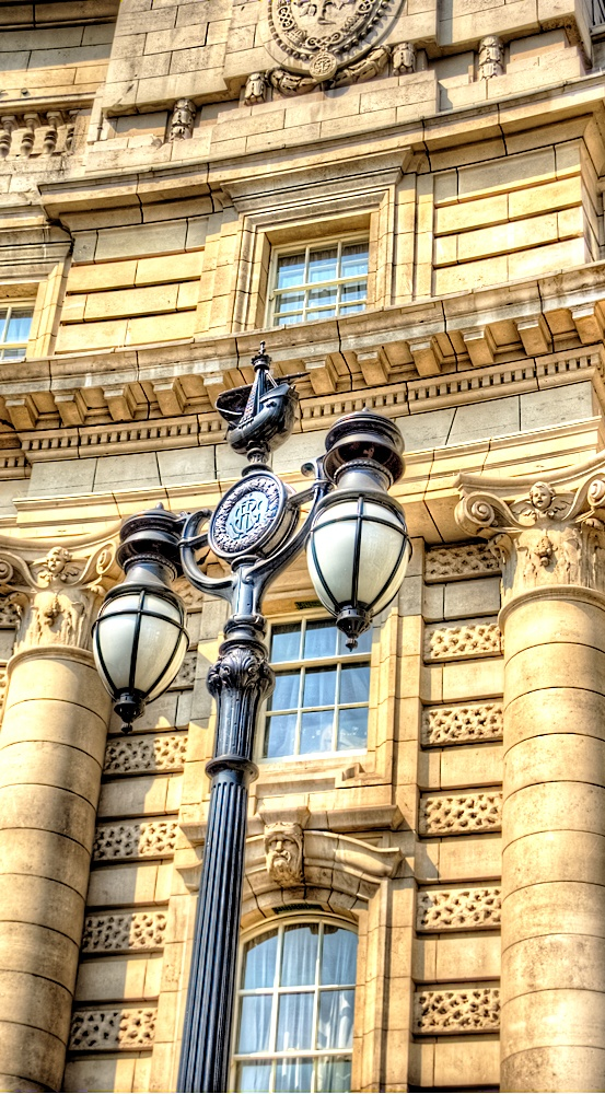 Galleon l& post and Admiralty Arch London. & 206 best Street lights images on Pinterest | Lights Cities and Flags azcodes.com