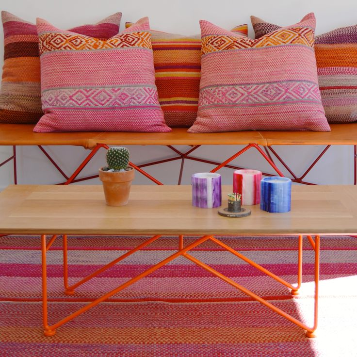 love this coffee table and bench