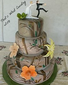 Camo cake for camo lovers!!! Pink would be cute!