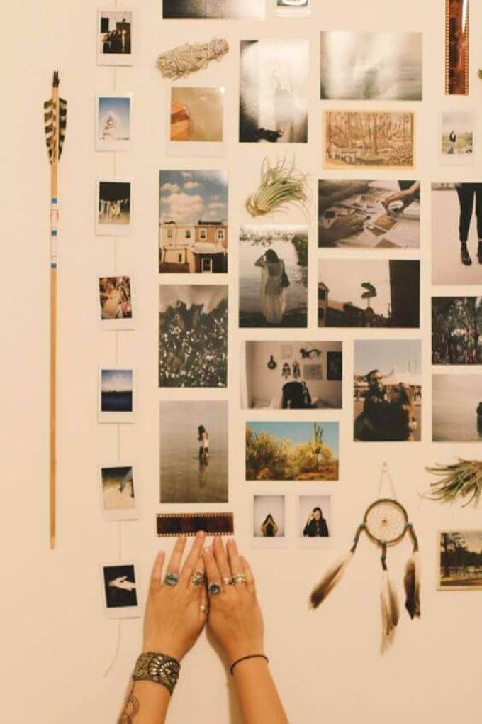 20 Smart Cork Board Ideas For Walls In Office Or Bedroom It S So Cute In 2020 Hanging Pictures Dorm Room Decor Photo Wall