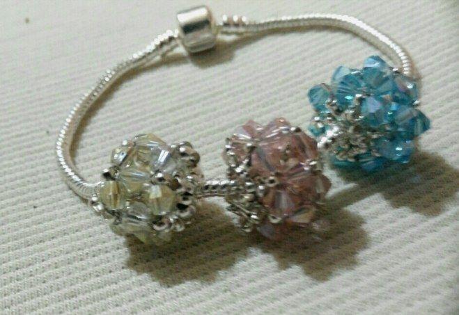 braccialetto con pandorine di cristalli bicono handmade anaisONE