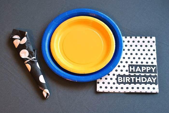 Fiesta de cumpleaños con temática del logo de Batman | i24mujer