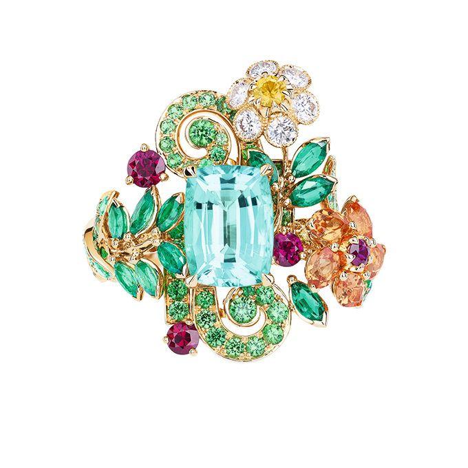 ディオール(Dior)からヴェルサイユ宮殿の庭園をモチーフにしたハイジュエリーコレクション、「ディオール ア ヴェルサイユ, コテ ジャルダン 」が登場する。ヴェルサイユ宮殿の庭園をモチーフにヴェルサ...