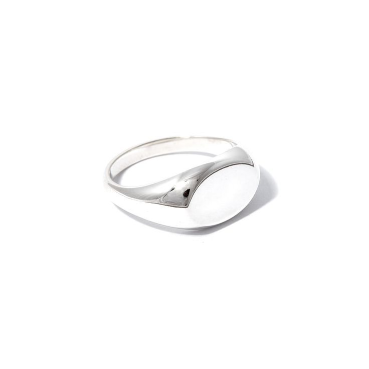 The Oval Signet by SARAH & SEBASTIAN is a signet-style ring created in sterling silver featuring an oval-shaped detailing. Nickel free.