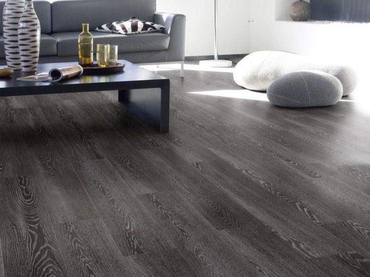 Dnes nám páni robotníci nahadzovali túto prenádhernú podlahu. Krása však? Uhádnete o aký typ podlahy ide? :) http://diego-slovakia.sk/rady-informacie/3-zaujimave-sposoby-ako-si-zutulnit-dizajn-vinylovou-podlahou